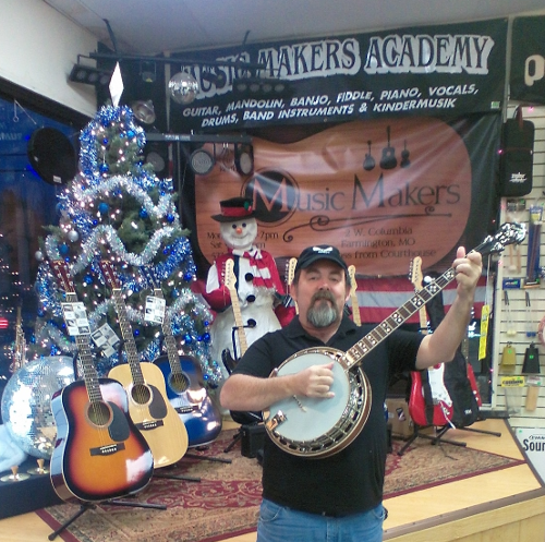 1-deering-banjo-with-me